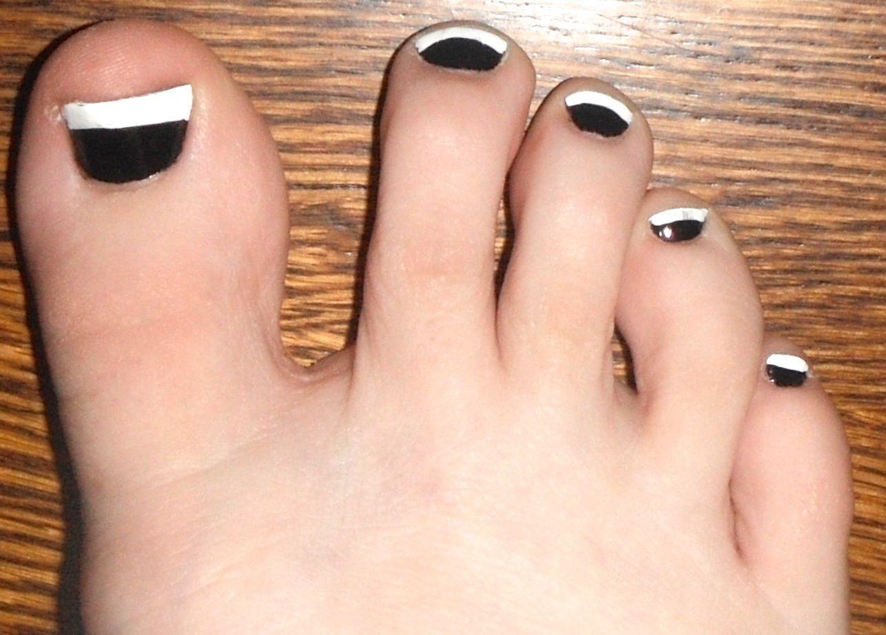 Black & white toe nails done at Lili Nails & Spa   Nail Art ...
