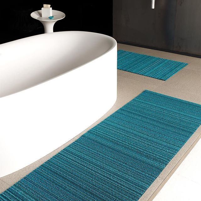 A Perfect Pair Chilewich Shag Floor Mats In Turquoise Add A Splash Of Color To This Bath By Boffi Usa Chilewich Interiordesign Floormat Boffi