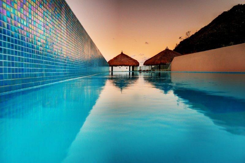 Villa Kopai Luxury Beach House Pool & Hut