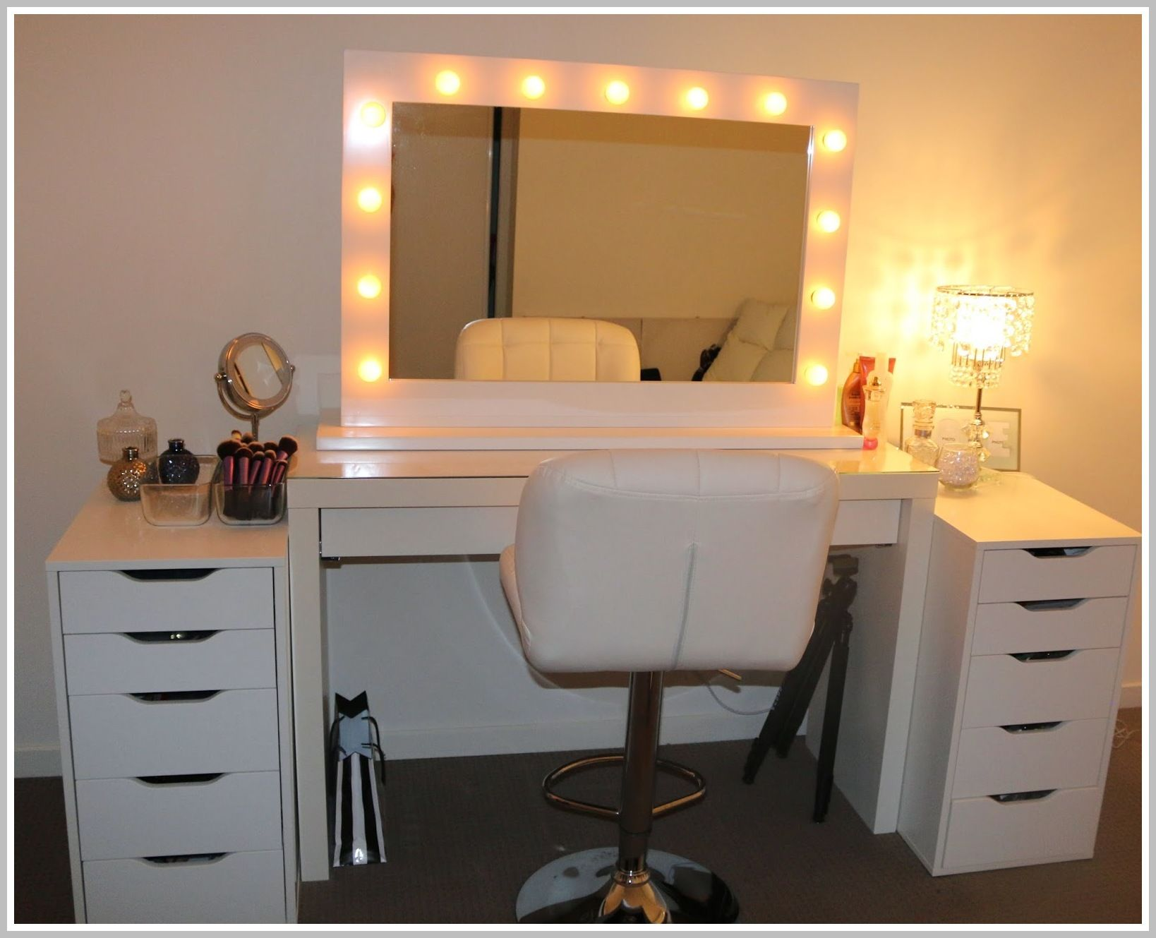 67 Reference Of Vanity Mirror With Lights Dressing Table In 2020 Bedroom Vanity Set Bedroom Makeup Vanity Vanity Table With Lights
