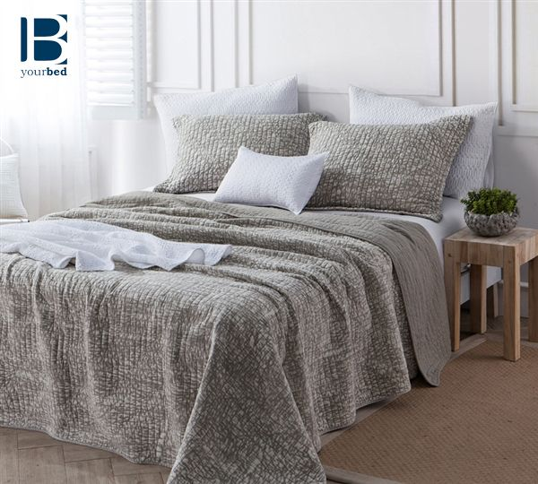 Sometimes Choosing Neutral Colored Bedding Is The Best Decision