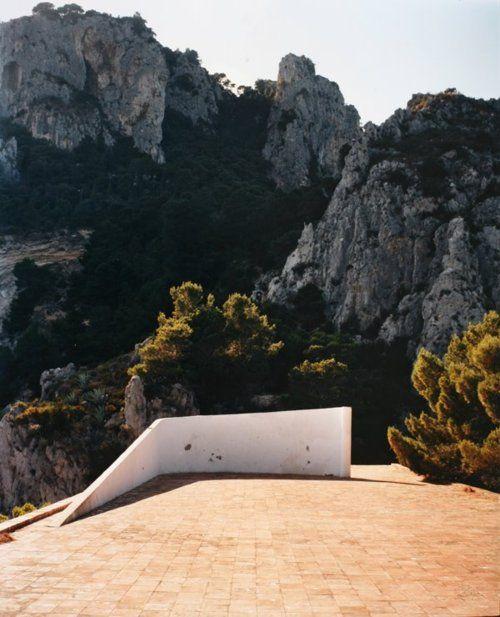 vuotoattivo:      Adalberto Libera Villa Malaparte, Capri, Italy 1937  Photo: Francois Halard