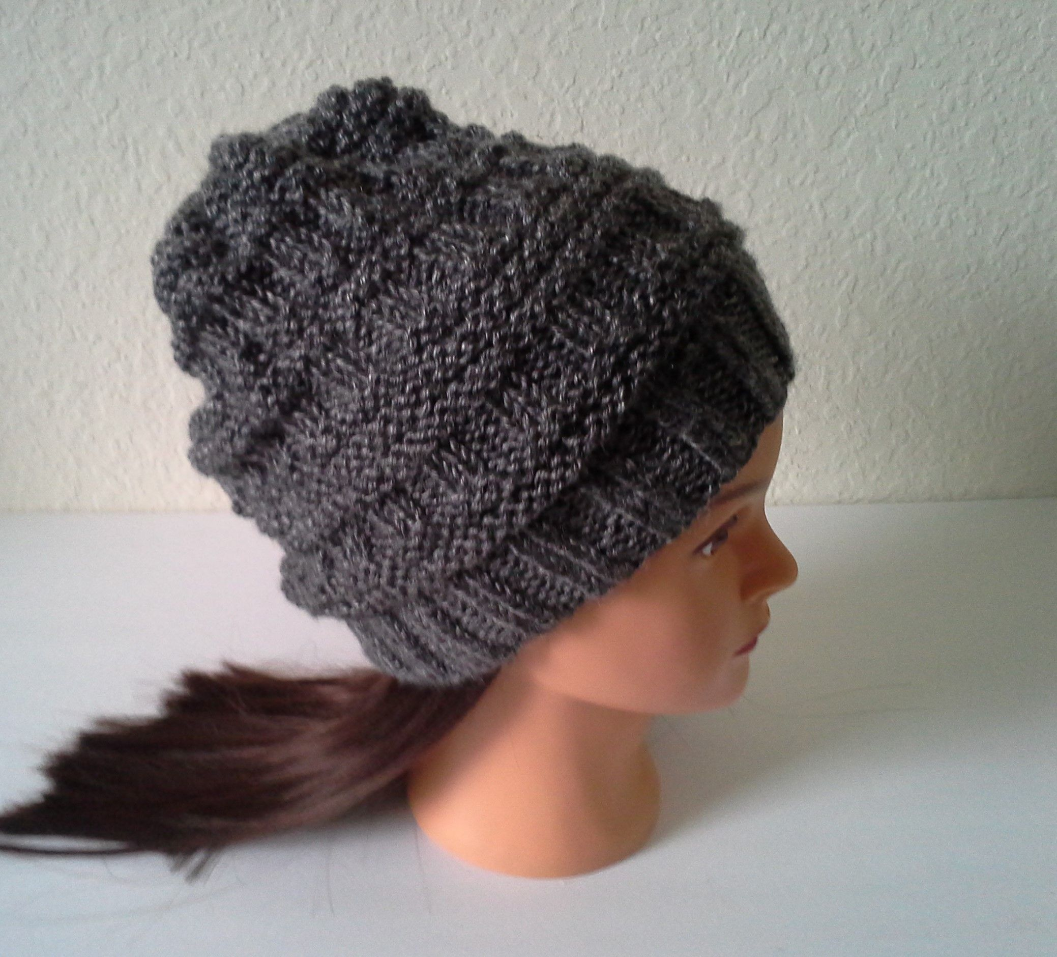 6eda8e4d8dd06 Womens Slouchy knit hat. Warm