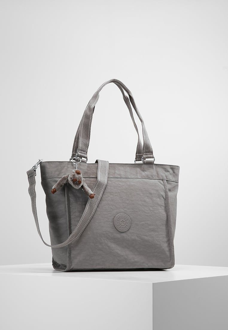 32a8f87ba ¡Consigue este tipo de bolso de mano de Kipling ahora! Haz clic para ver