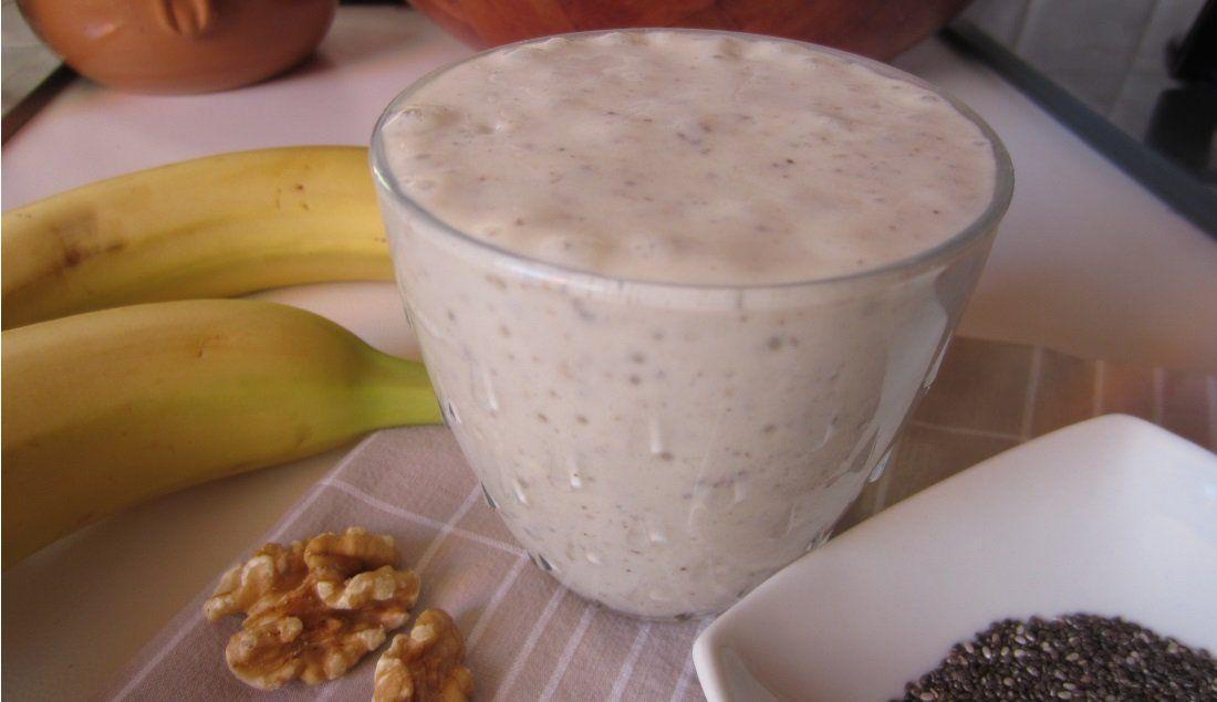 Smoothie con banana e semi di chia