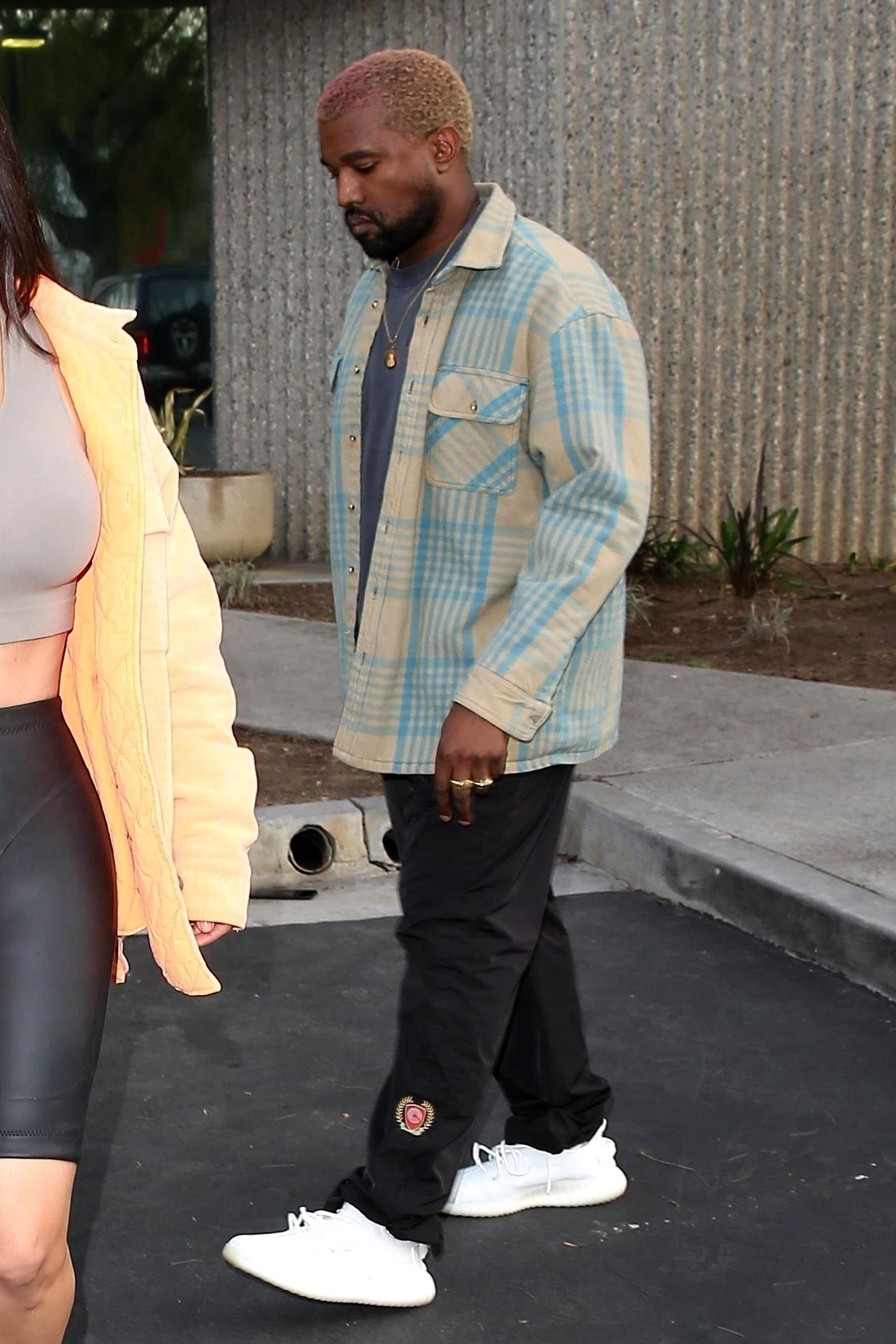 Kanye West Leaving The Office On Looklive Kanye West Outfits Kanye West Style Kanye West