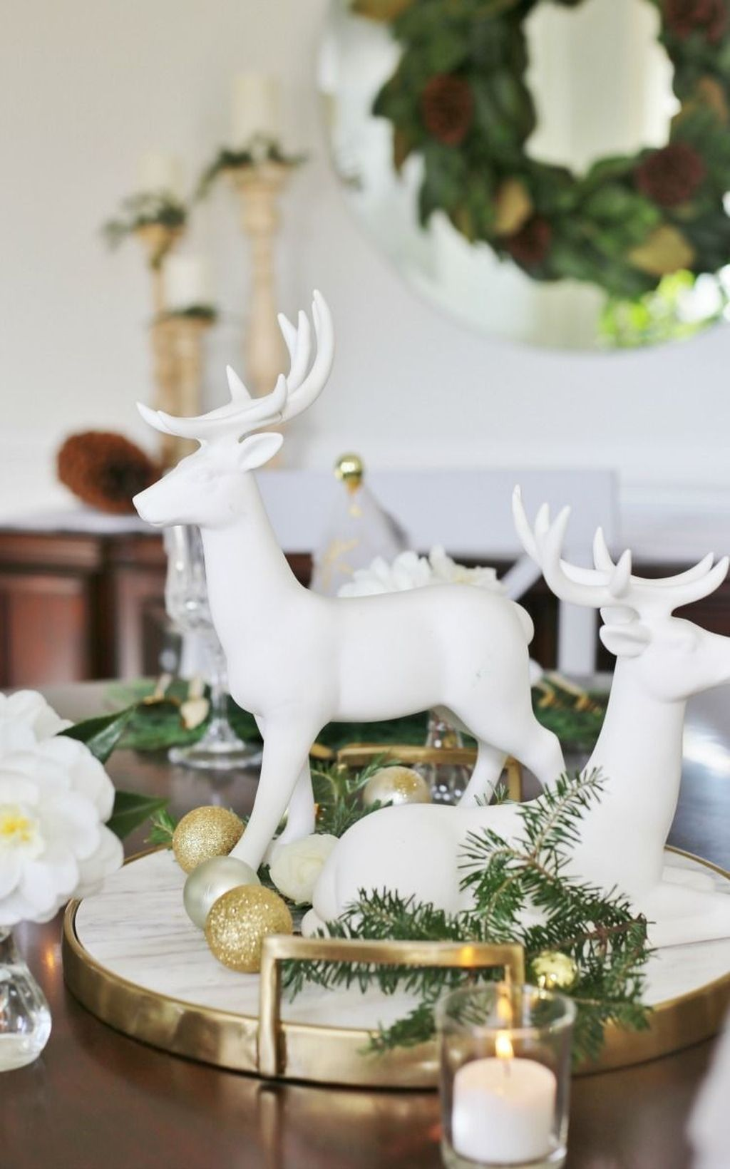 30 Stunning Christmas Dining Table Decoration Ideas Christmas Deer Decorations Christmas Dining Table Christmas Table Decorations