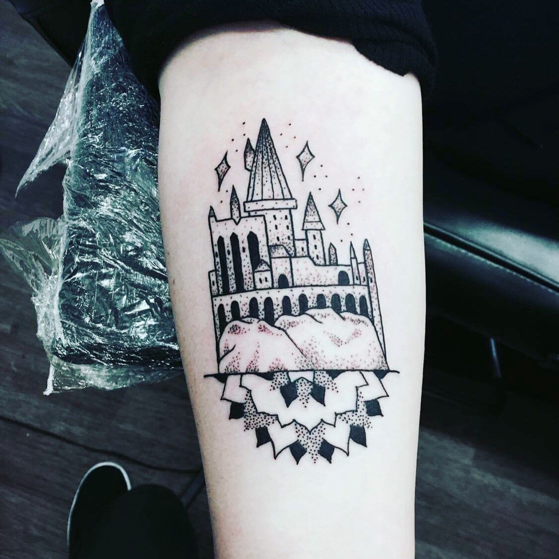 Harry Potter Hogwarts Castle Mandala Tattoo By Katie Walls In Cold Soul Collective Castle Tattoo Hogwarts Castle Tattoo Harry Potter Tattoos