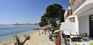 Luxurious And Contemporary First Floor Beachfront Apartment On Pinewalk Holiday Rental In Puerto Pollensa From Homeaway Uk Travel