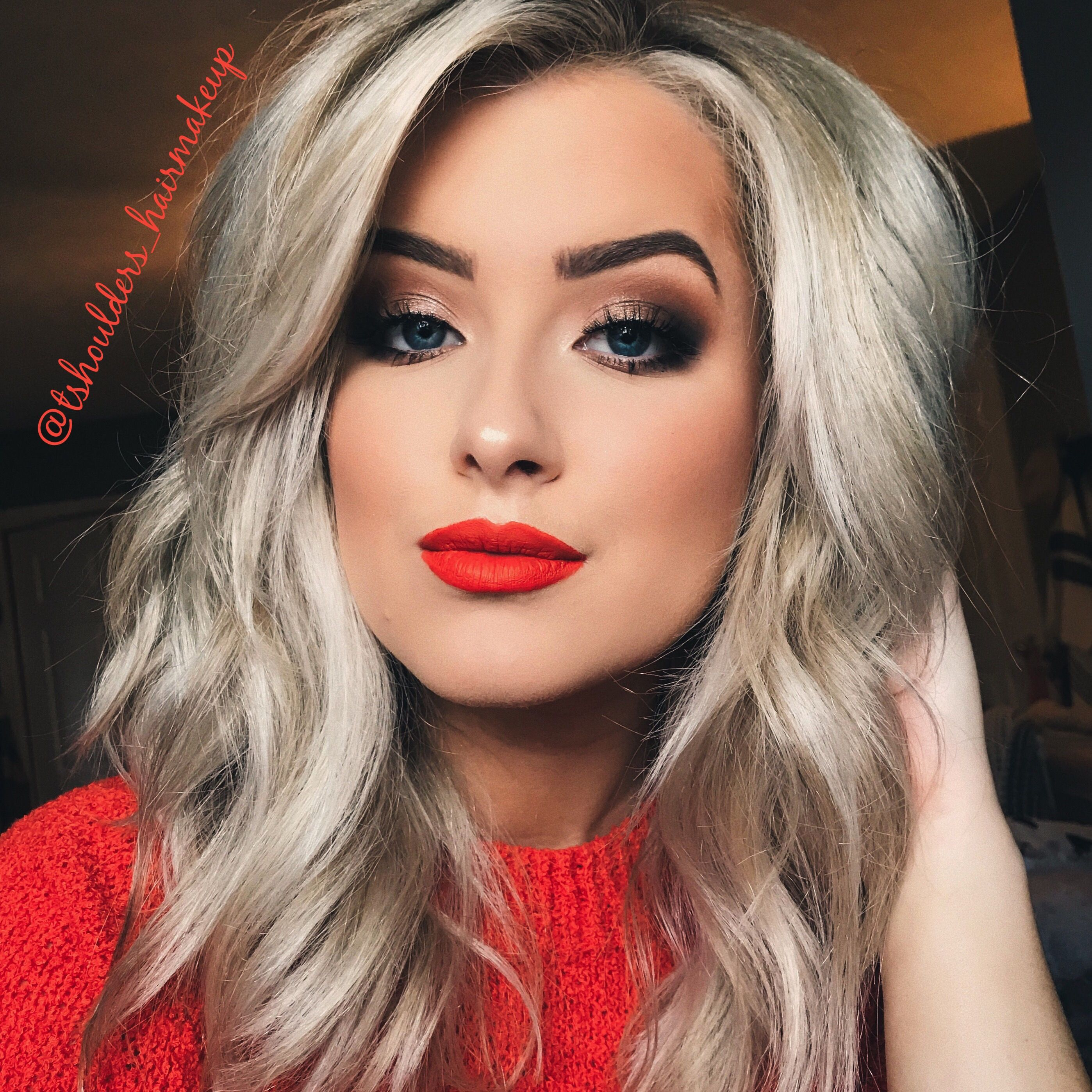 Classic Makeup Red Lip Blonde Hair Red Lipstick Makeup Blonde Blonde Hair Red Lips Red Hair Makeup