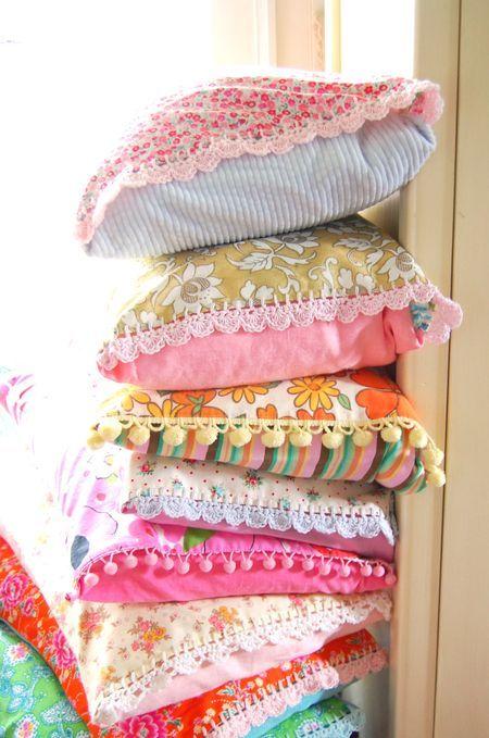 Sewing pillows, Vintage sheets