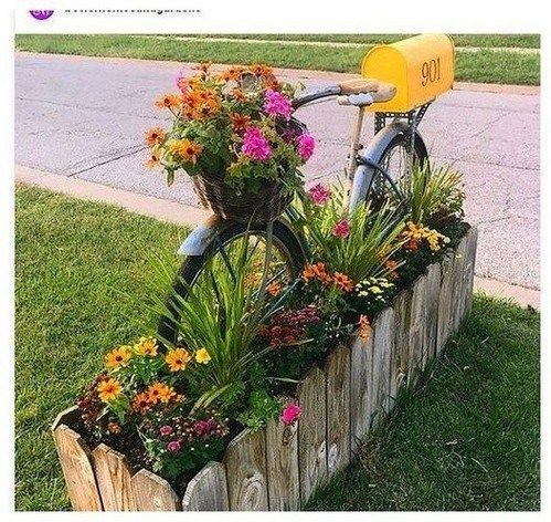 70 Creative Flower Spring Ideas To Decorate Flower Beds In Front Of Your Home | texasls.org #flowerbeds #flowerbedideas #springflowers #flowerbeds