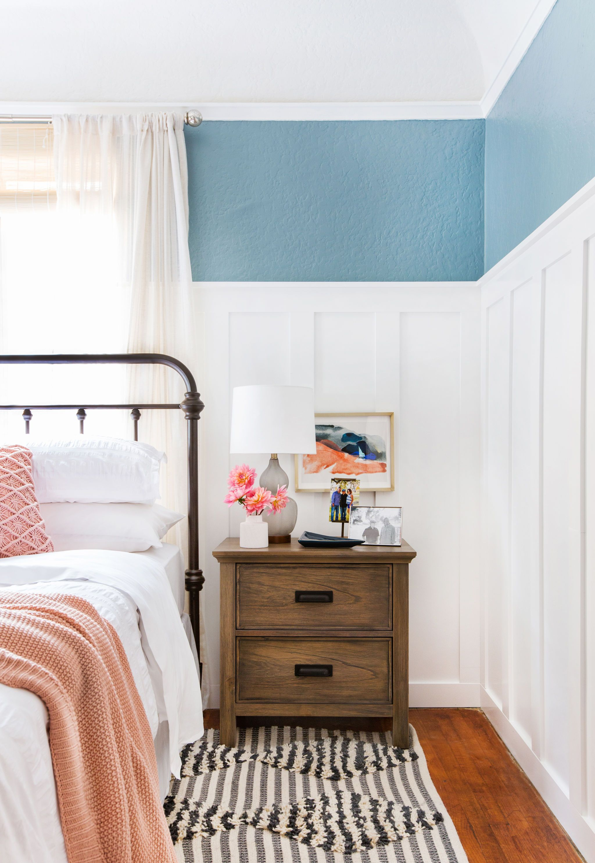 Power Couples Beds And Nightstands Emily Henderson Couple Bed