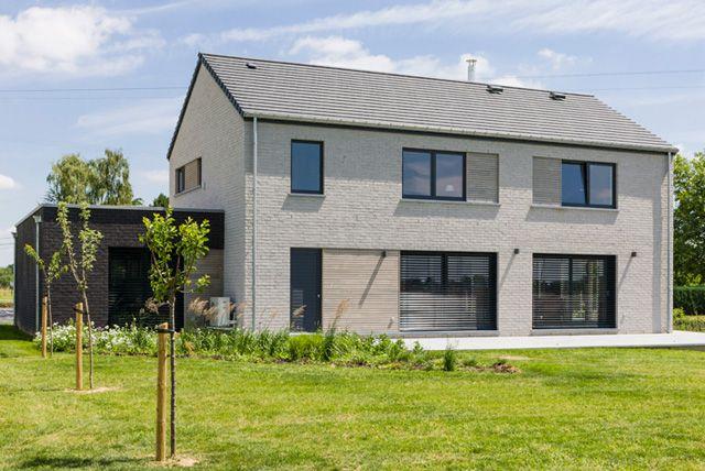 Maison moderne nouvelle construction hannut www for Trouver des plans de construction