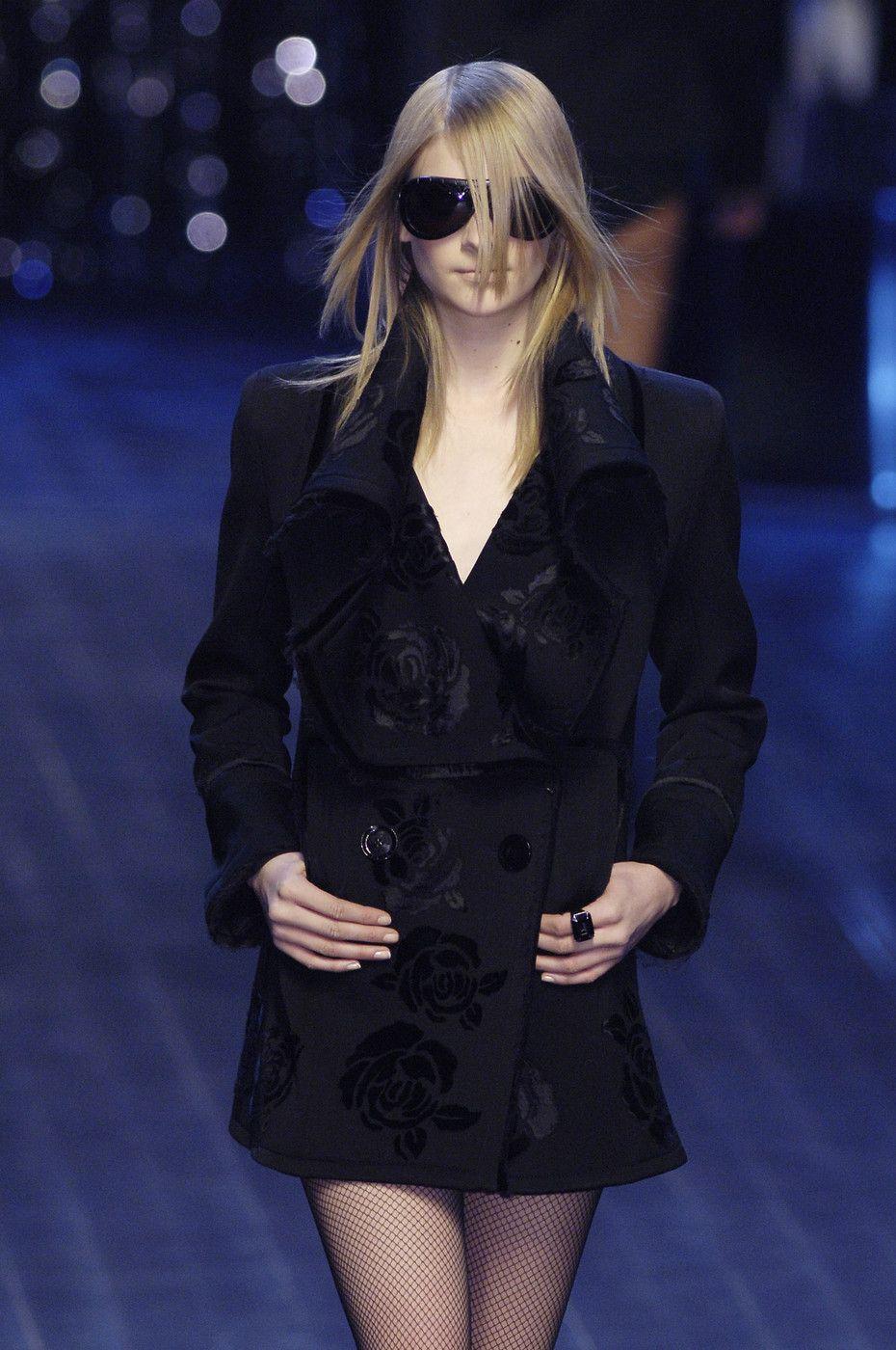 156 photos of Christian Dior at Paris Fashion Week Fall 2005.