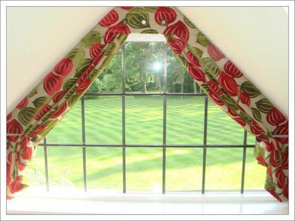 Vorhänge Für Dreiecksfenster tolle ideen wie sie ihr dreiecksfenster verdunkeln home