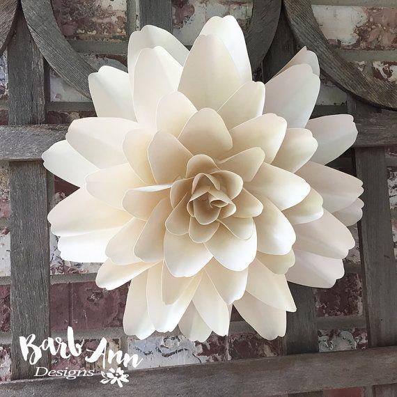 Fleurs en papier grand en blanc et crème décor par BarbAnnDesigns ...