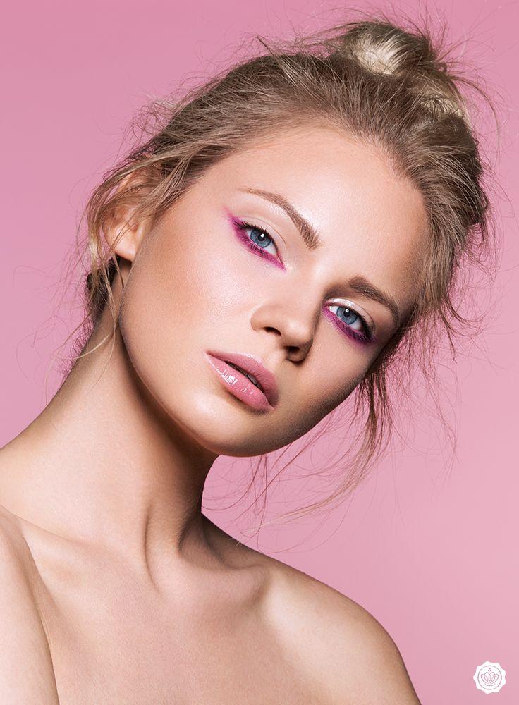 GLOSSY Look: Das Tutorial zum Upside Down Make-up in Pink!