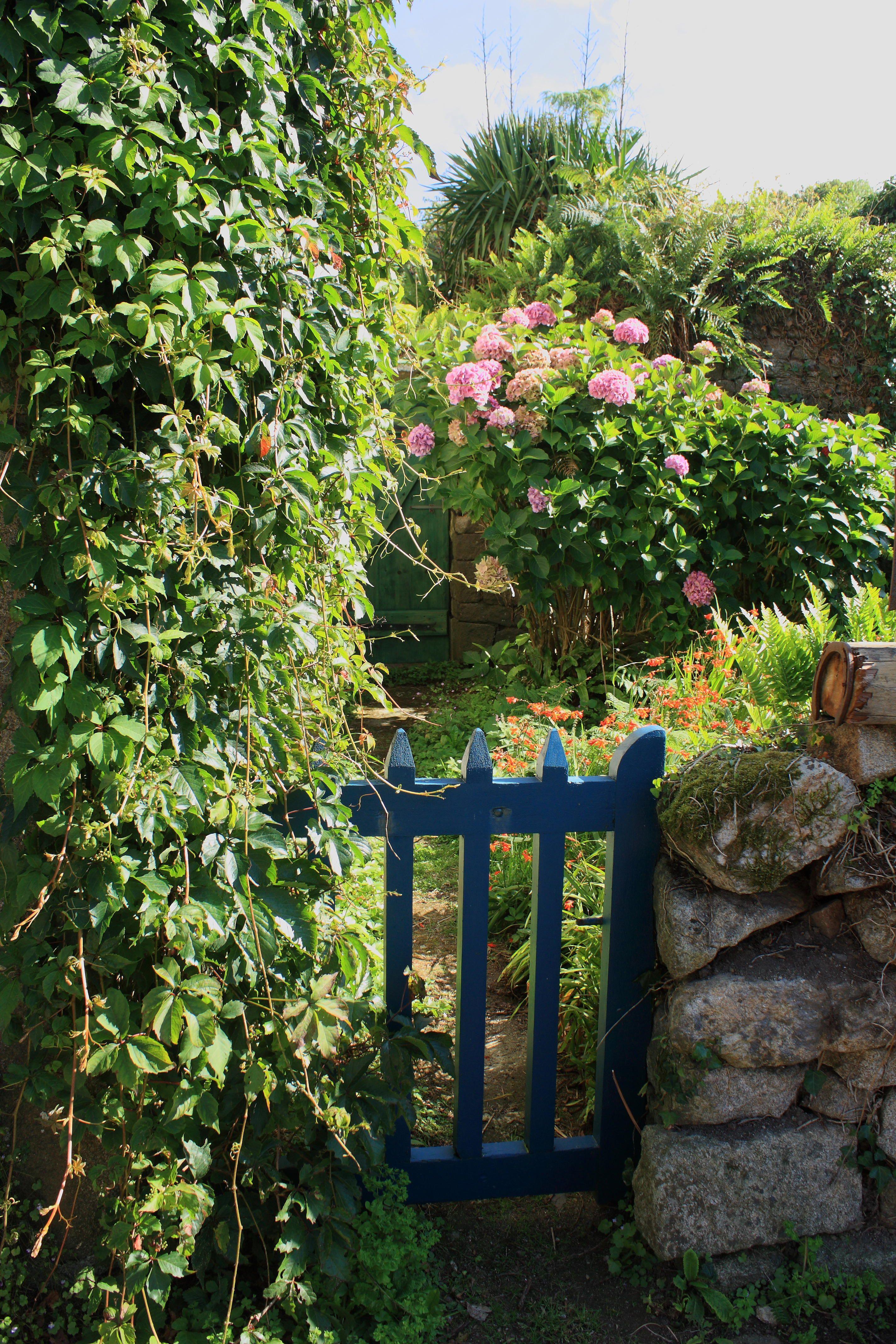 Locronan Bretagne Bretagne Bretagne Locronan Et Jardins
