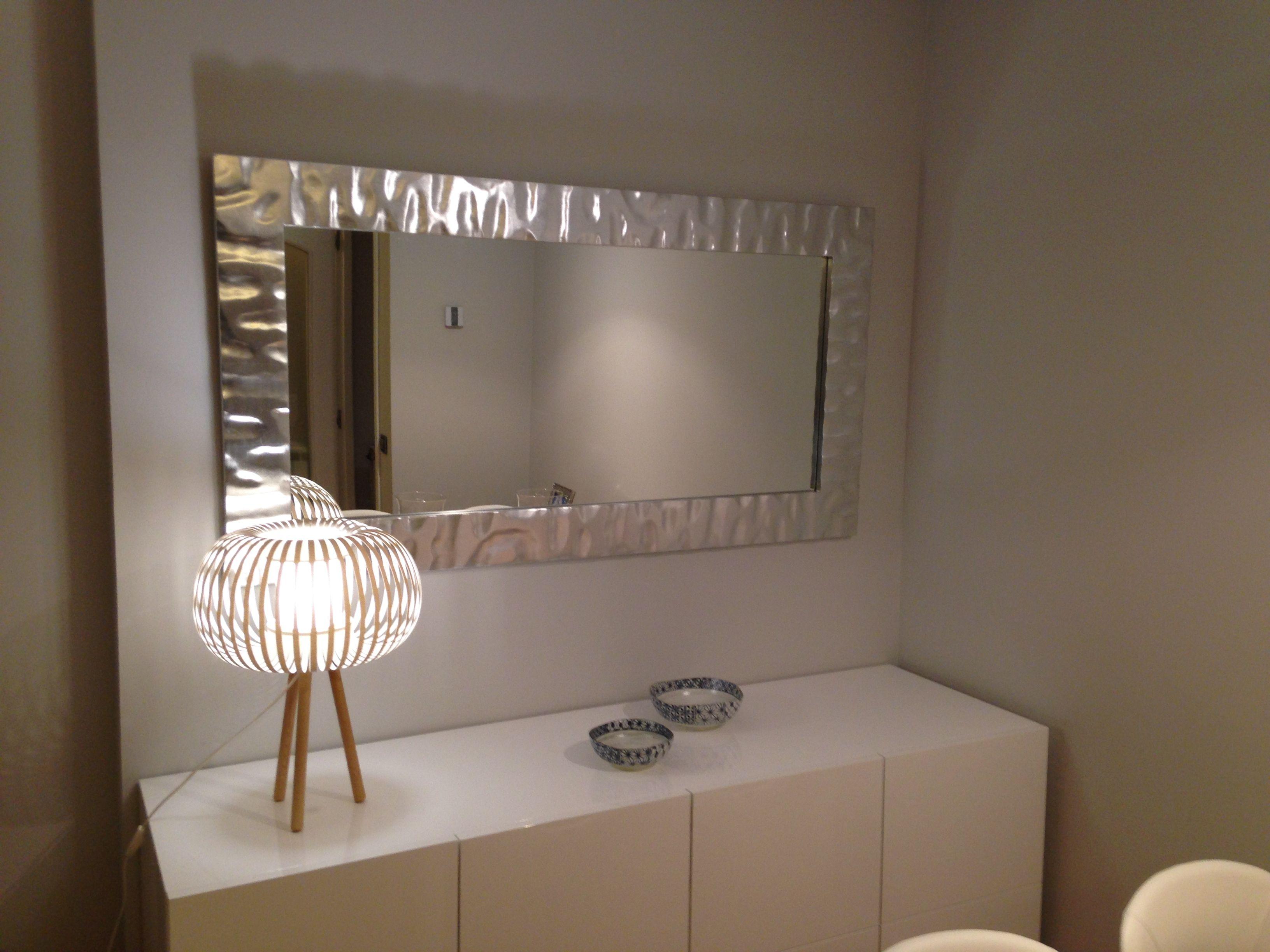 Marco para espejos en pan de plata precios de taller for Pared de espejo precio