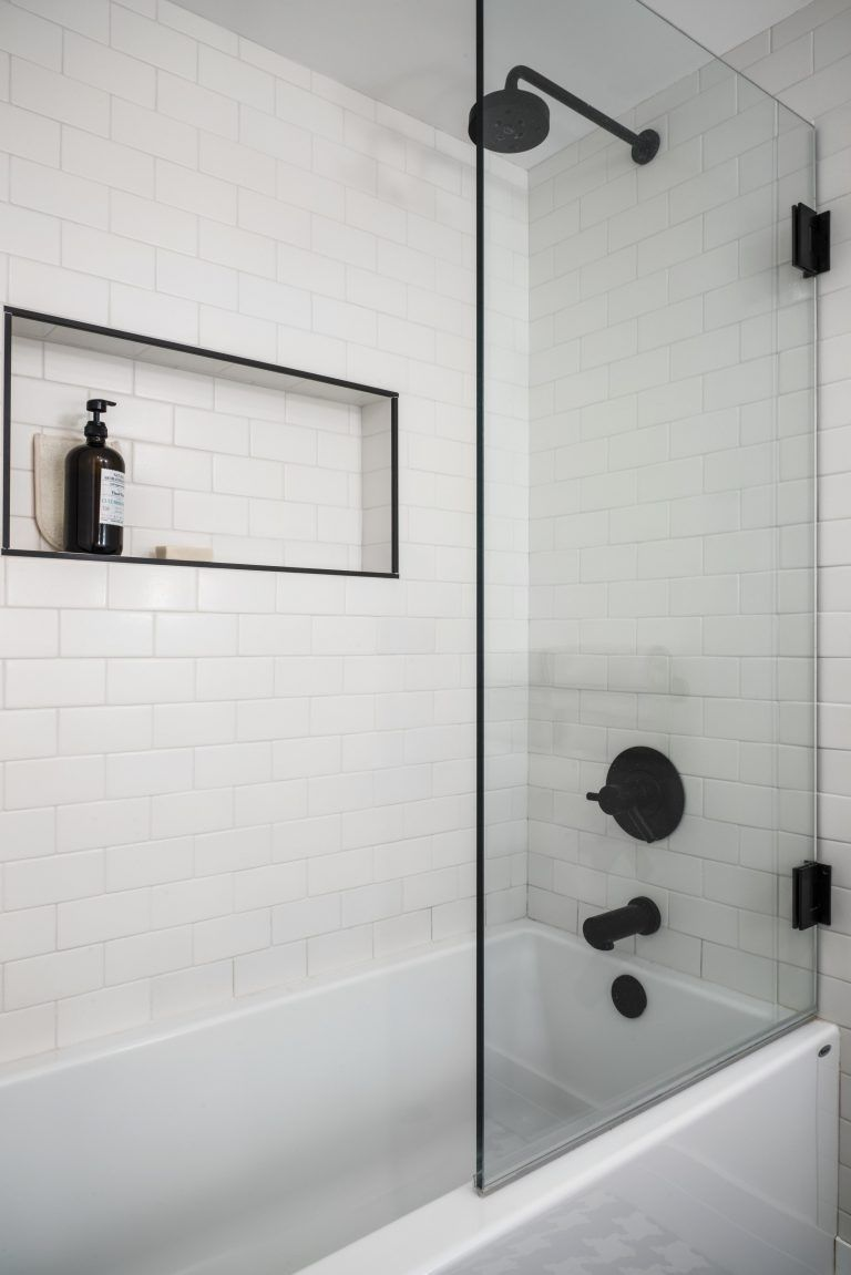 matte black hardware, bathroom remodel. Looking to remodel your bathroom? Look no further — we came up with the top 8 ways you can remodel your bathroom. Keep reading to learn how you can create your perfect bathroom remodel and private sanctuary. #smallbathroomremodel
