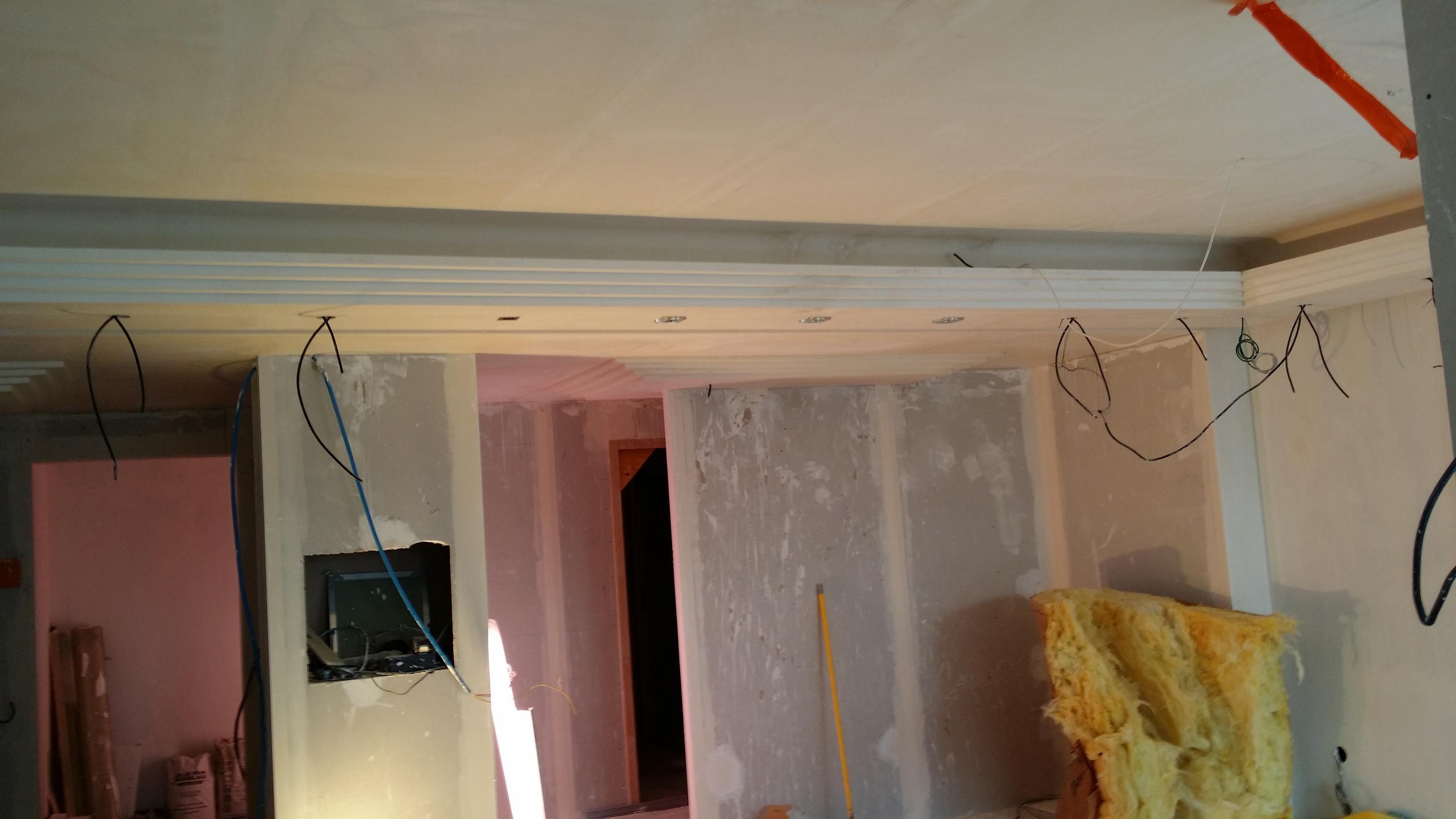 corniche lumineuse top corniche lumineuse with corniche lumineuse good les avantages duune. Black Bedroom Furniture Sets. Home Design Ideas