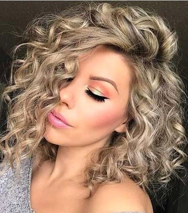 Trending Hairstyles 2019 – Medium Curly Hairstyles #curlyhairstyles