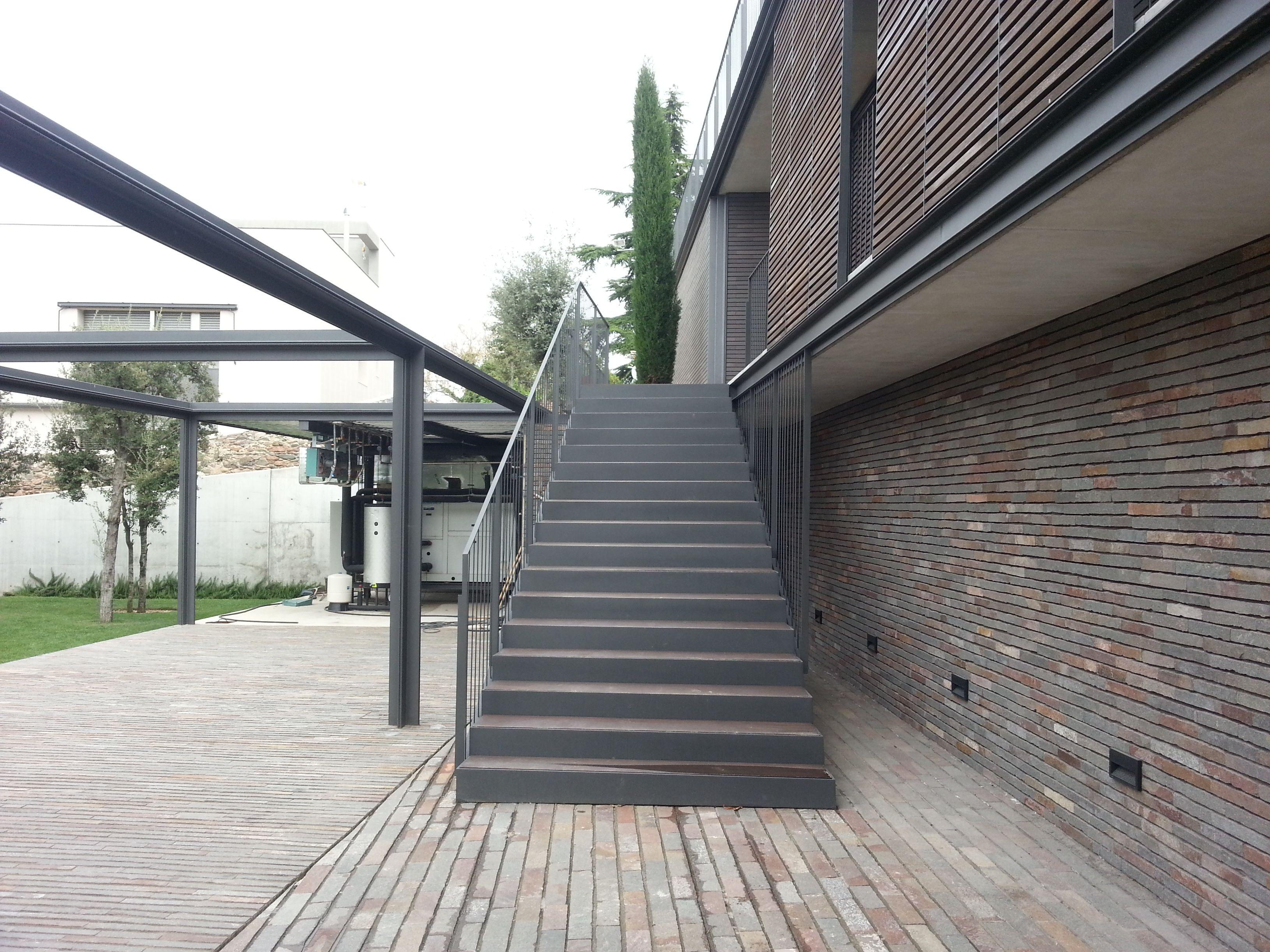 escalera metálica  www.metalex.es