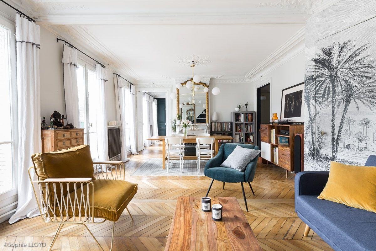 Interieur Parisien Renovation D Un Appartement Haussmannien De 110 M2 Par L Agence Caroline Andreoni Amenagement Salon Deco Appartement Deco Salon