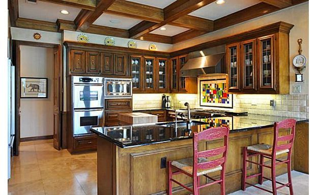 Great Kitchen Layout And Colors