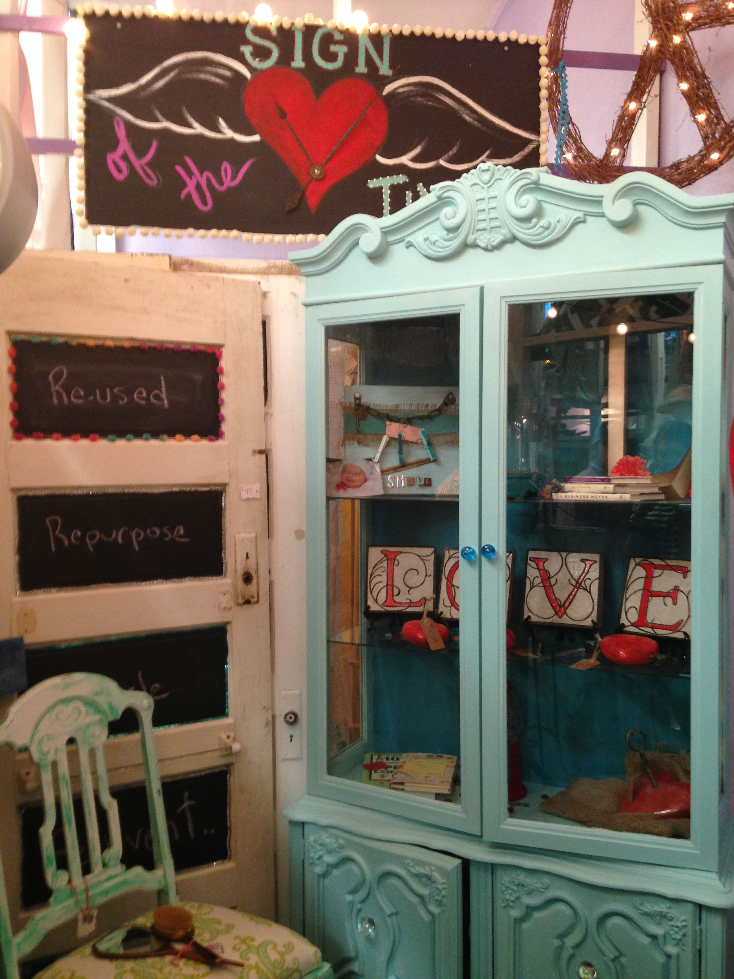 Have you been to Raven's Relics in Lakeland's Dixieland?