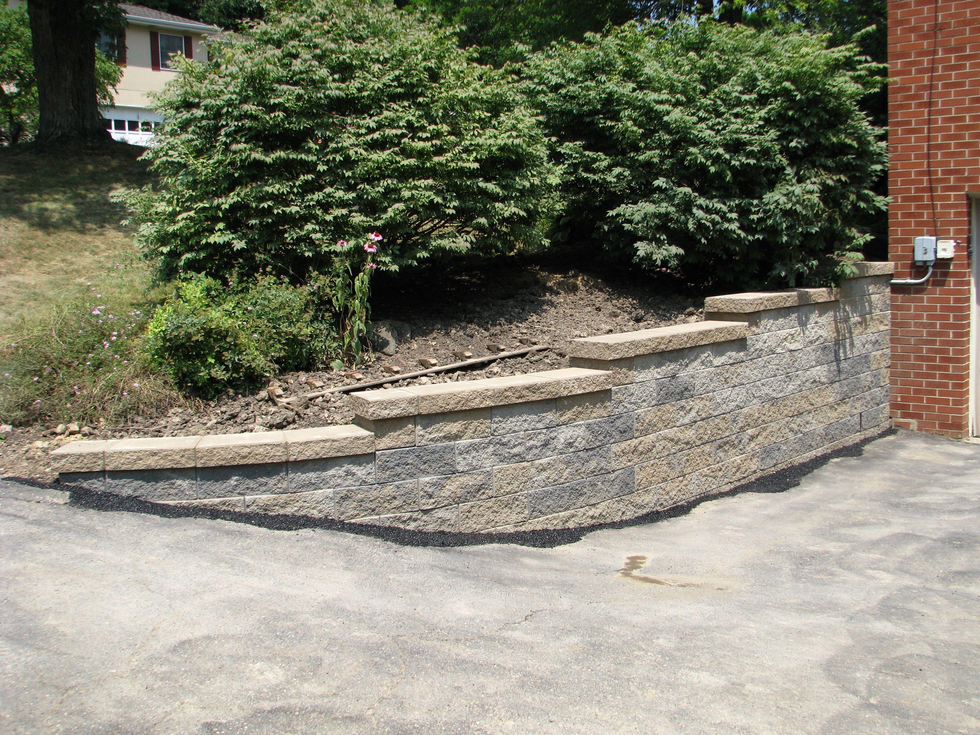 Small Driveway Retaining Wall Retaining Wall Stone Wall Front Yard