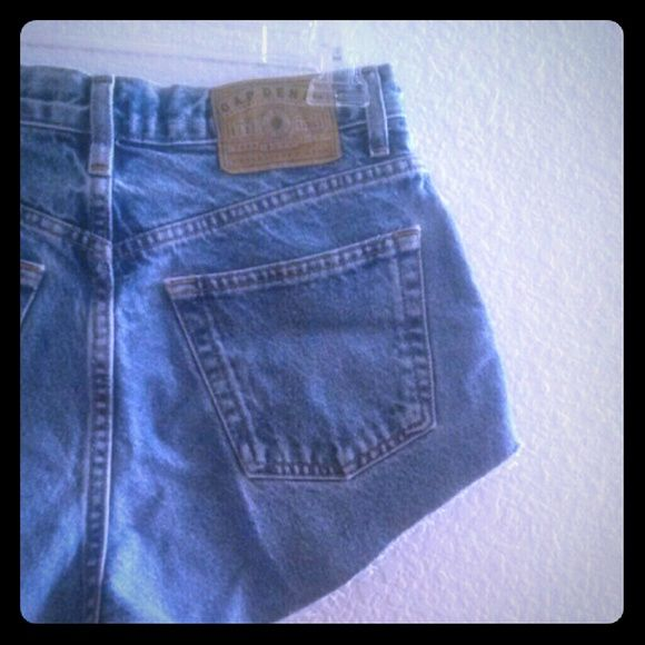 Gap Highwaisted Cut Off Shorts Denim Cut offs perfect for a casual look or a night on the town with some black heels. Fits like a size small and look very modern with a vintage twist. GAP Jeans