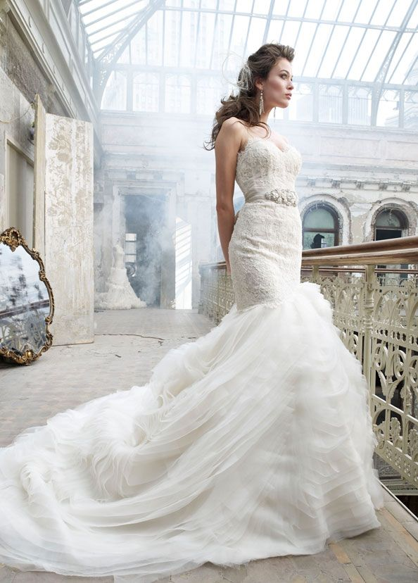 Lazaro 3201, $3,900 Size: 14 | Used Wedding Dresses | Hochzeitsdeko ...