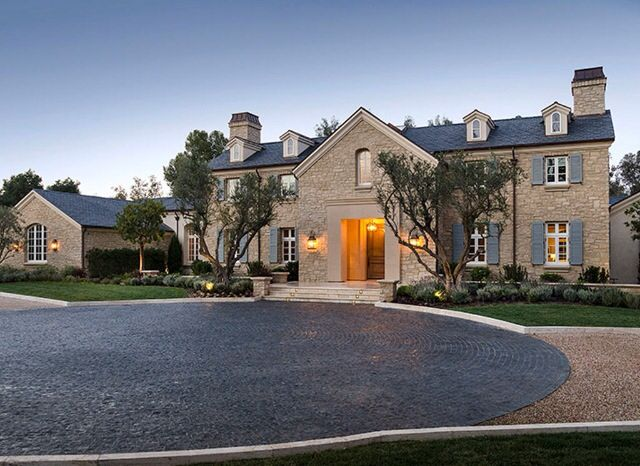 Kanye Kim West 20 Million Dollar Home Kim Kardashian Home Celebrity Houses Kardashian Home