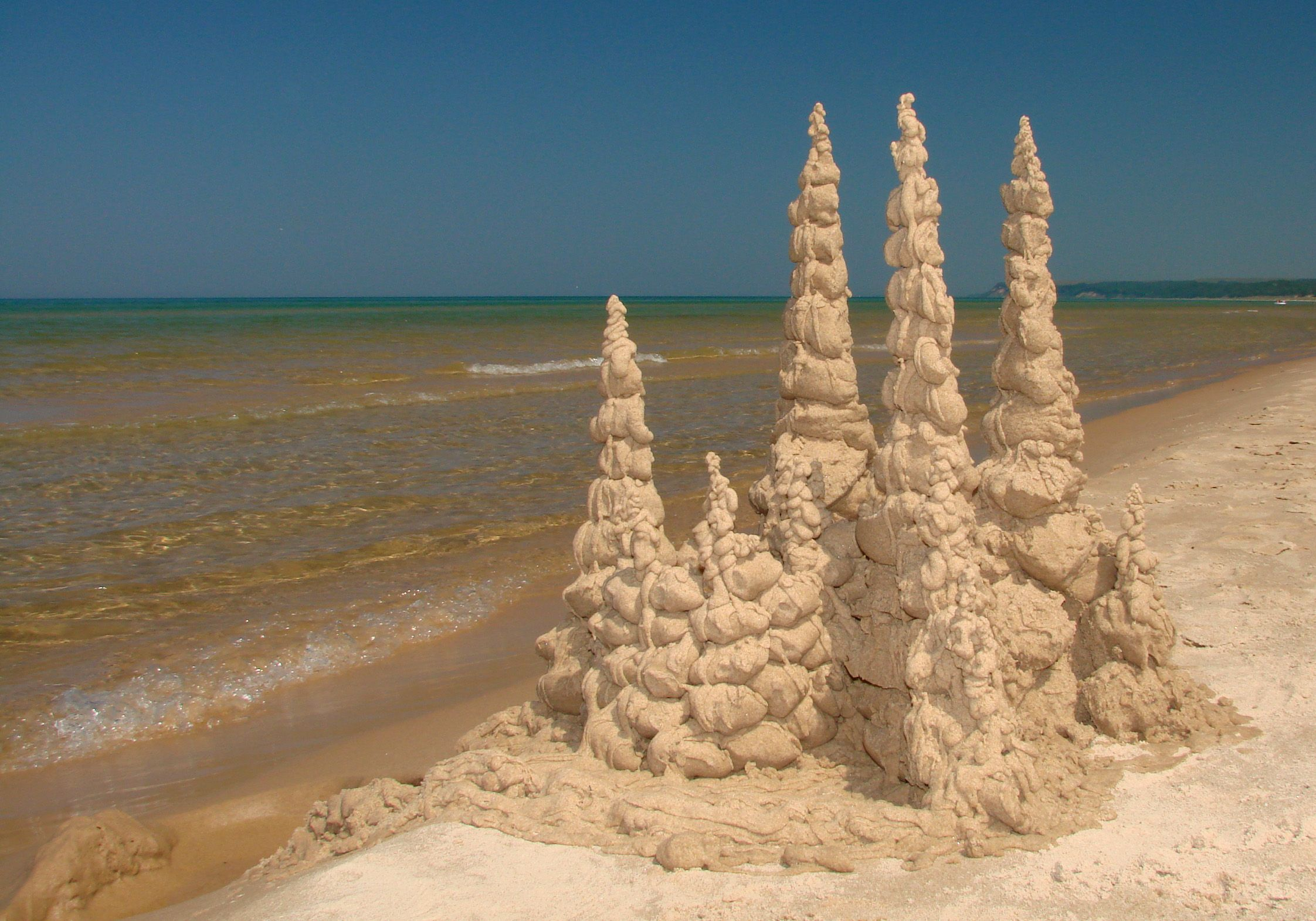 Love Doing Castles By Dripping Wet Sand Into Forms Sand Castle Sand Art Sand Sculptures