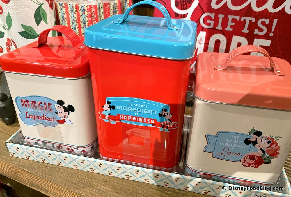 Stop What You're Doing! We've Spotted the CUTEST Minnie Retro Kitchen Gear in Disney World!