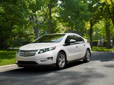 Chevy Volt gets new $4000-5000 cash-back incentives, 3-year lease now $269/month