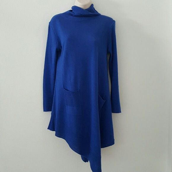 Turtle neck Tunic Super cute Royal blue Tunic w/ pockets. NY Collection Sweaters