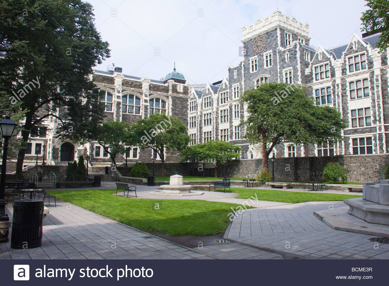 Download This Stock Image Campus Scene City College Of New York Ny Usa Bcme3r From Alamy S Library Of Millions Of High Re City College Photo Stock Photos