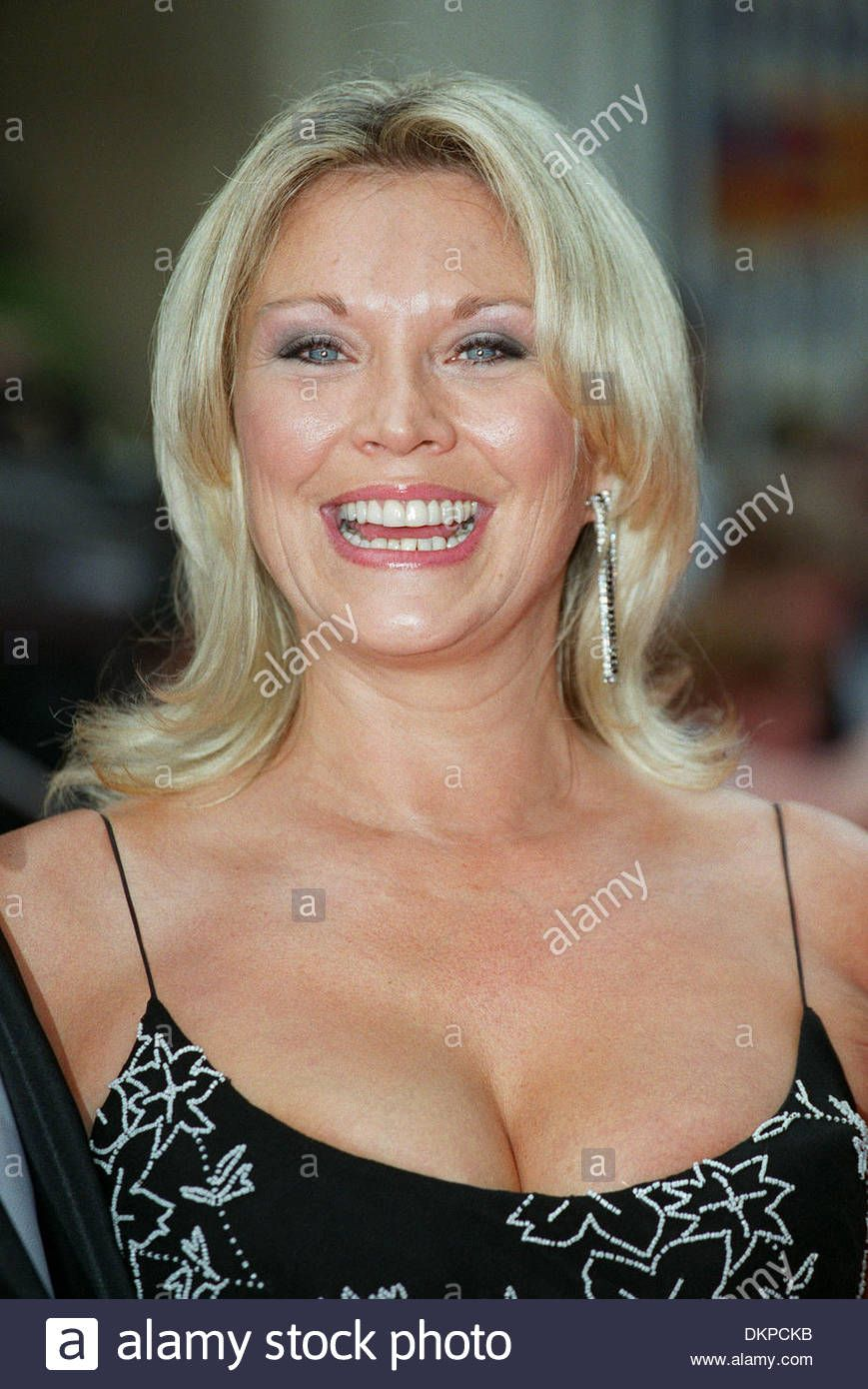 Amanda Redman Nude Photos 43