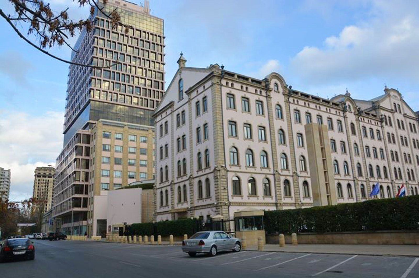 Visit The Landmark Hotel Baku Landmark Hotel Sky Pool Hotel
