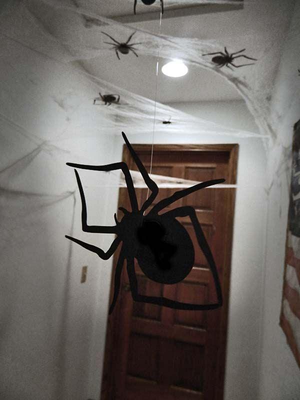 Diy spooky halloween hallway home heart craft for Haunted house hallway ideas