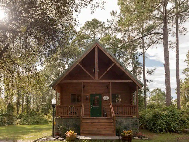 15 Cabin Rentals In Florida That Are Straight Out Of A Storybook Cabin Cozy Cabin In The Woods Cabin Rentals