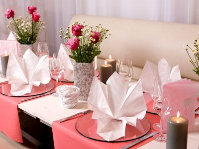 zauberhafte tischdeko mit servietten f r die hochzeit dekoration pinterest servietten die. Black Bedroom Furniture Sets. Home Design Ideas