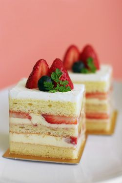 Gateau Fraise....a great desert for valentine's day