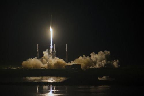 JCSAT-16 launch by Official SpaceX Photos (via...