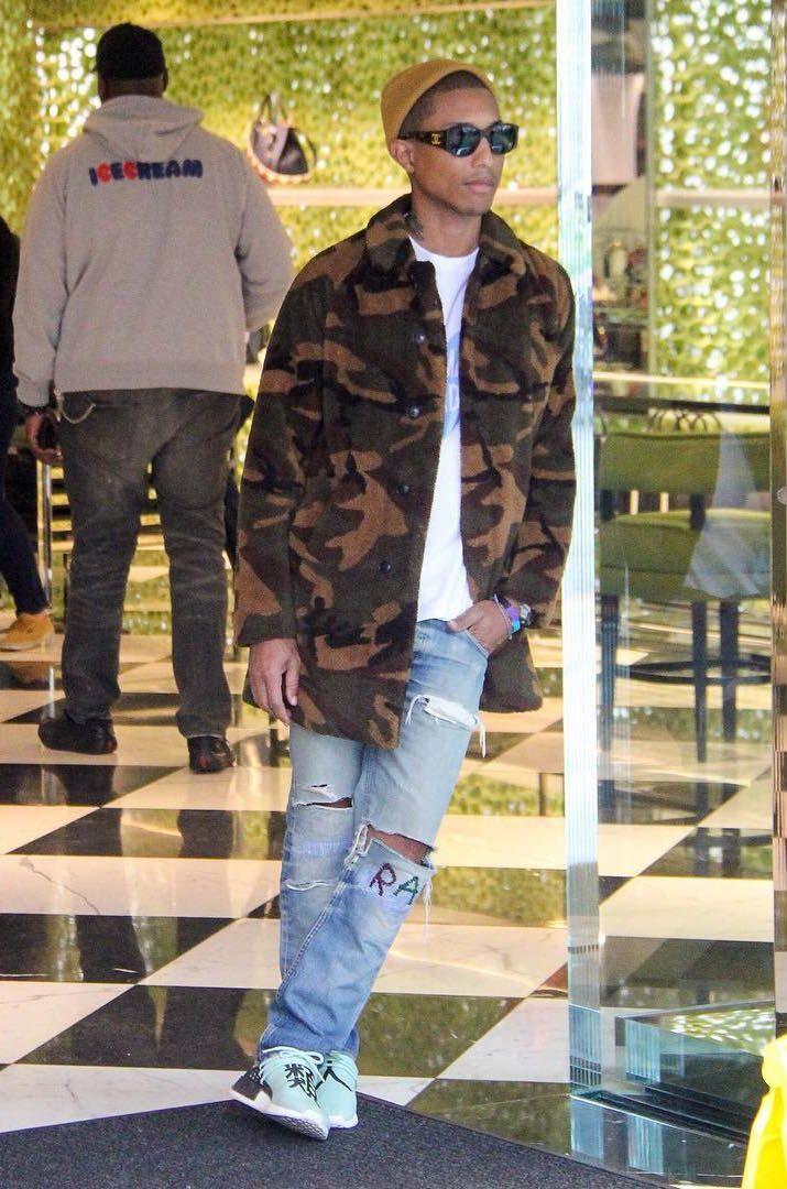 c25dde92f1f89 Pharrell Rocks G-Star Raw Jeans