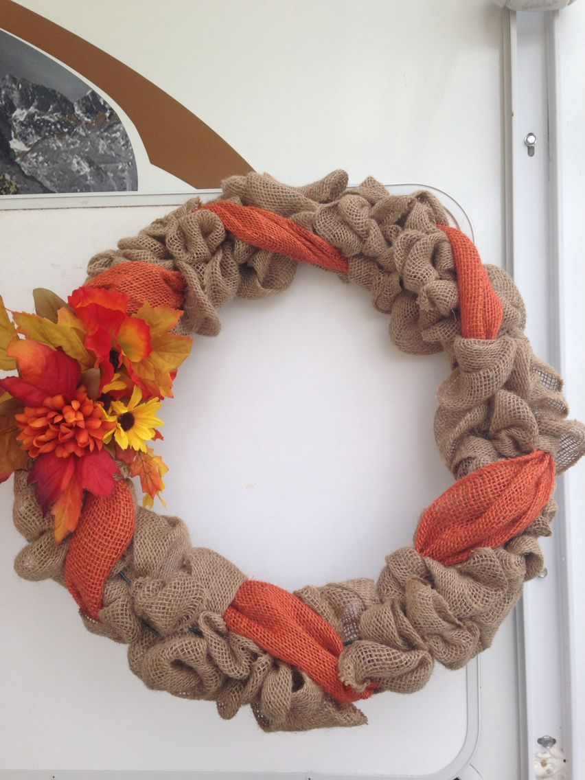 Another cute fall wreath and oh so simple. Just weave 2 rolls of ...