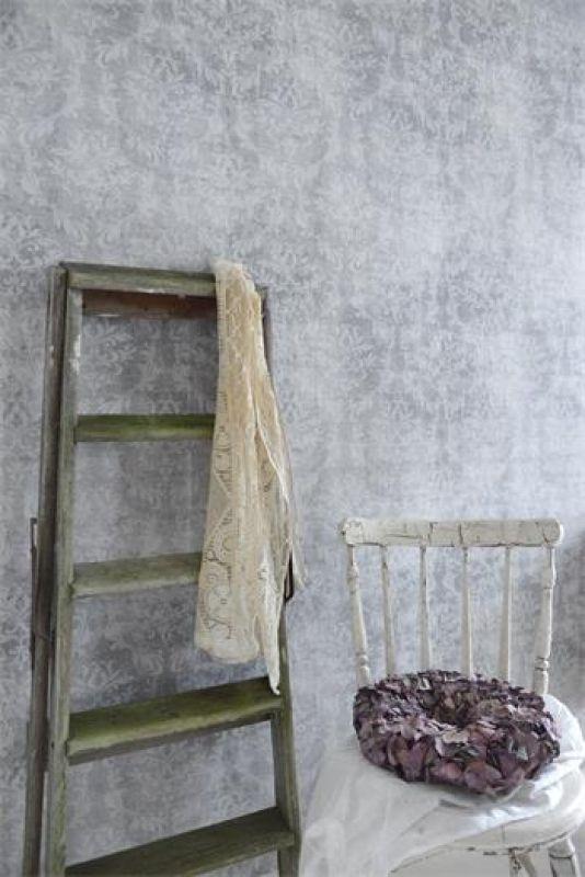 vintage tapete mit floralem muster grau gemustert jeanne darc living no2 - Tapete Muster Grau